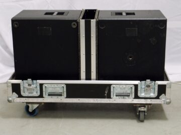 d&b E12X-SUB in flight case