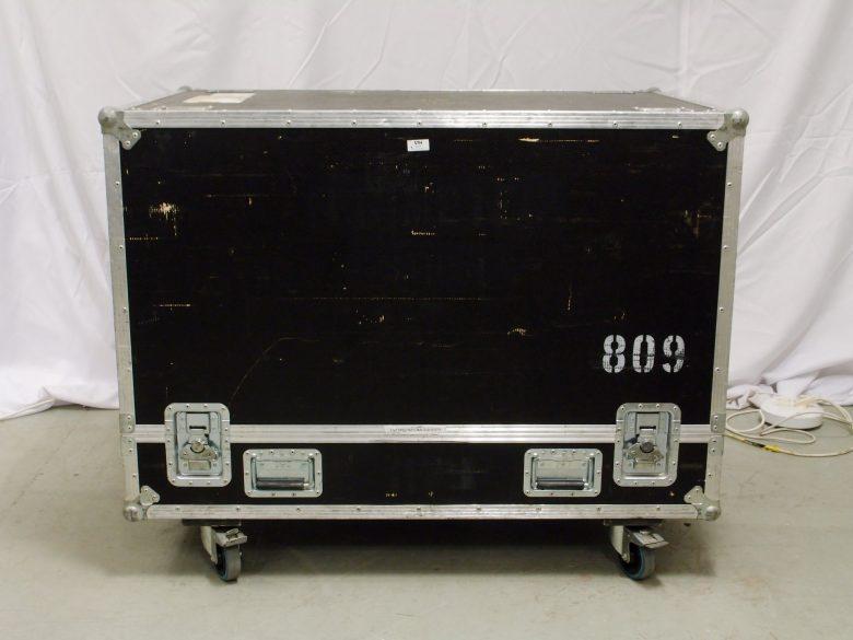 d&b Q-SUB in flight case used
