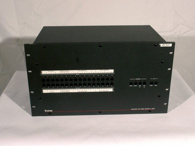 Extron CrossPoint Plus 1616 with DSVP™