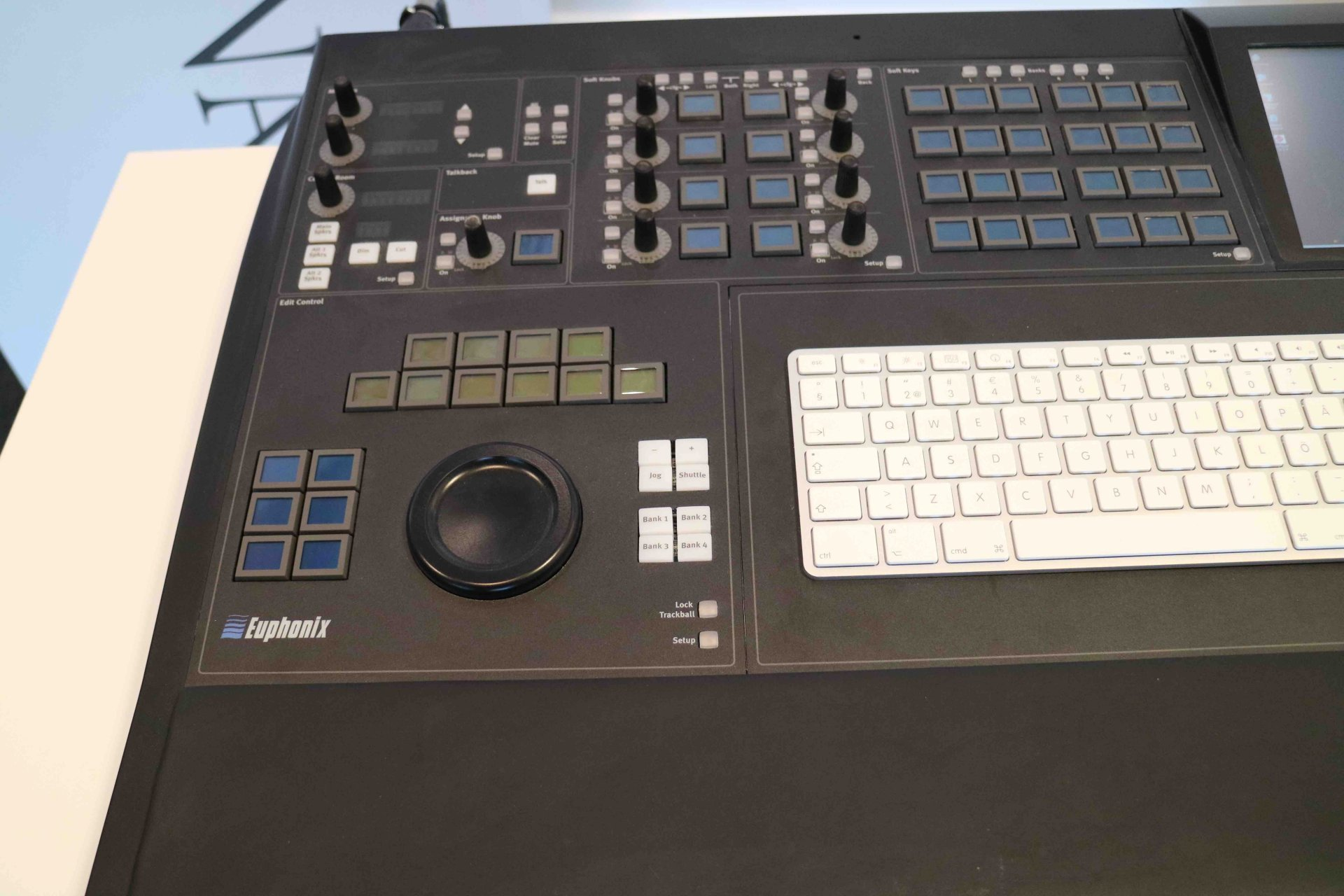 euphonix mc pro daw control surface gearwise used av stage equipment. Black Bedroom Furniture Sets. Home Design Ideas