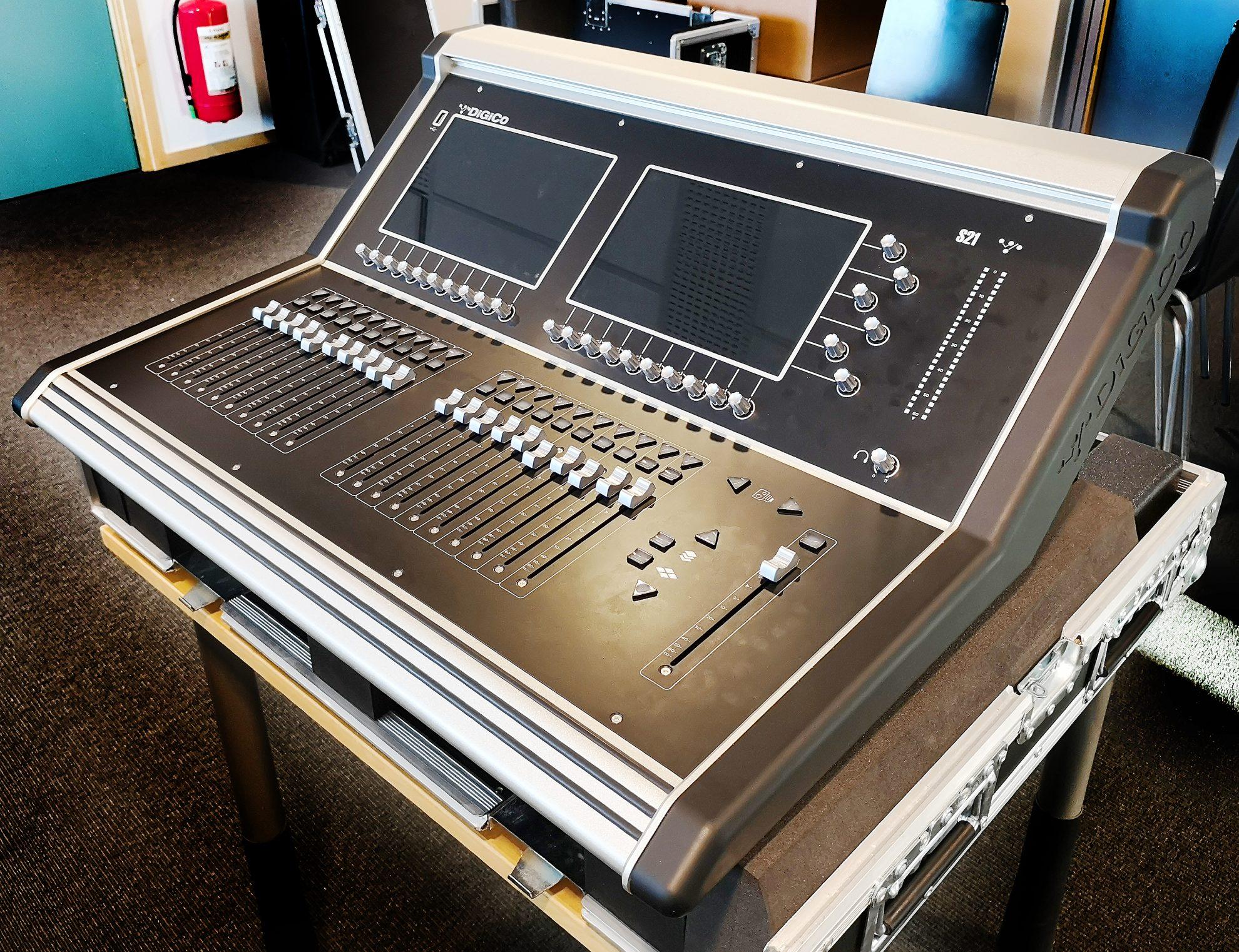 digico s21 digital mixer gearwise used av stage equipment. Black Bedroom Furniture Sets. Home Design Ideas