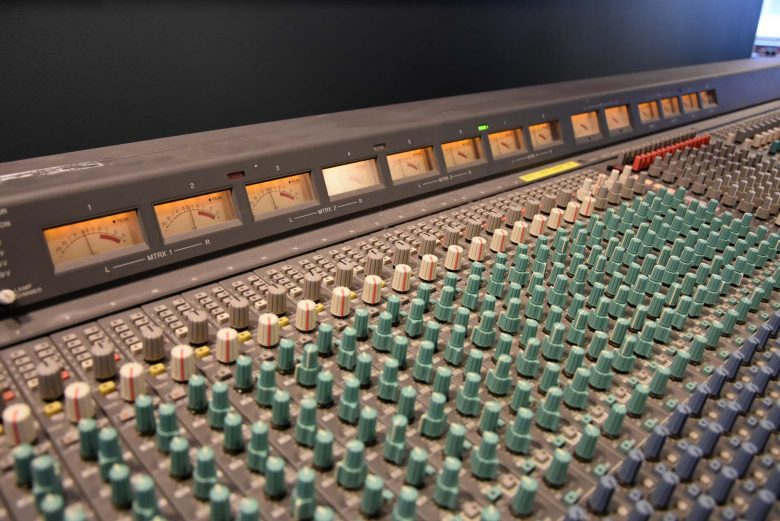 Yamaha PM3500-52 analog mixer for sale