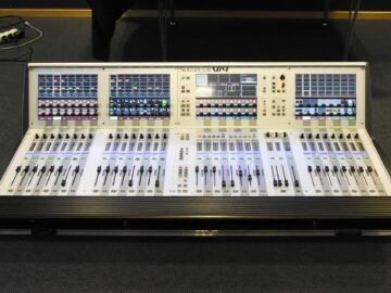 Soundcraft Vi4 console for sale