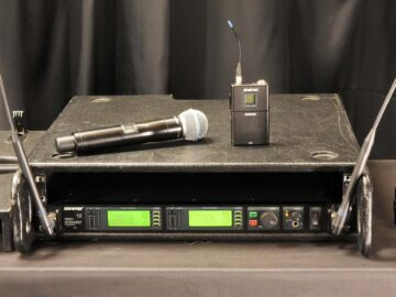 Shure UHF-R UR4D for sale