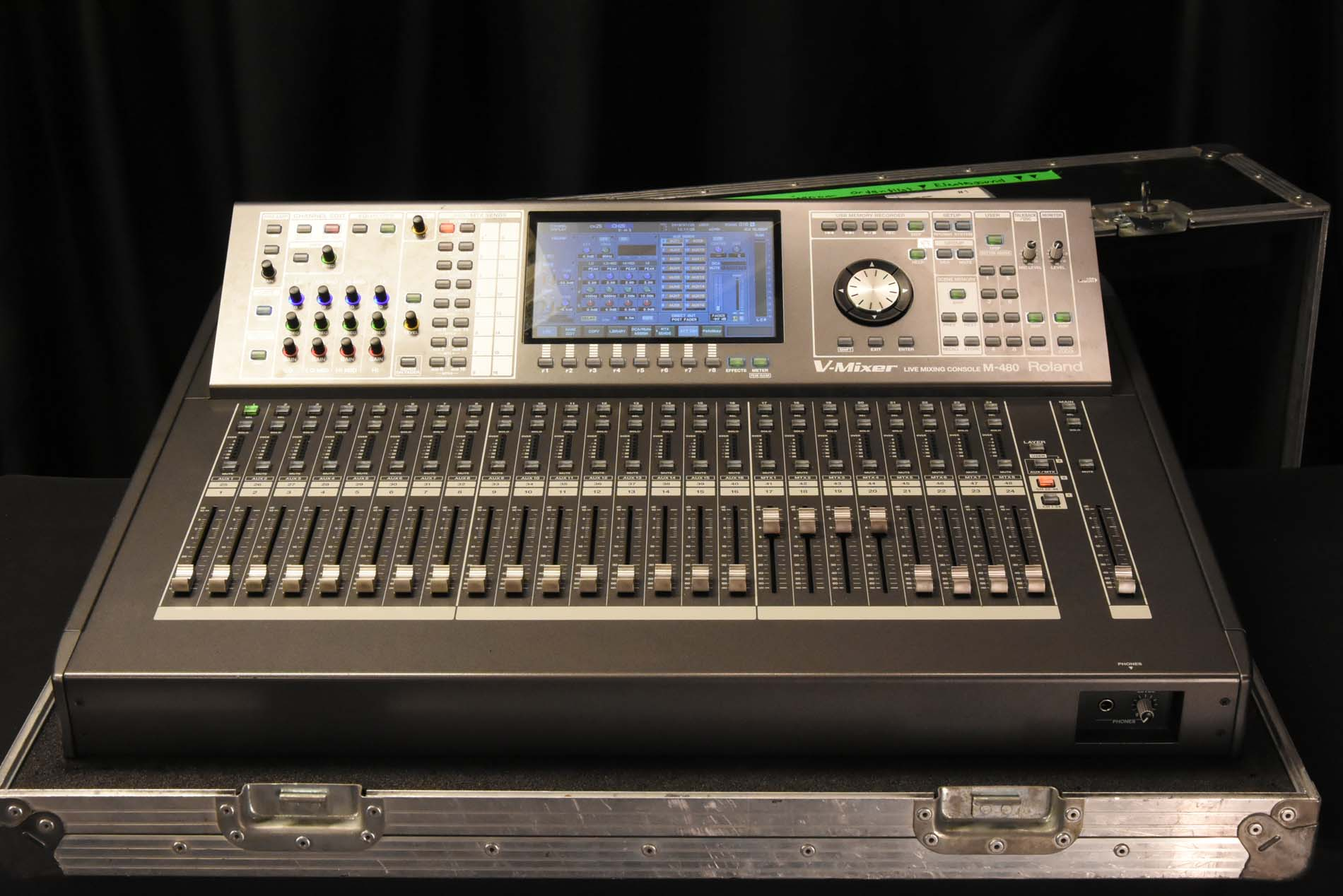 roland m 480 digital mixing console gearwise used av stage equipment. Black Bedroom Furniture Sets. Home Design Ideas