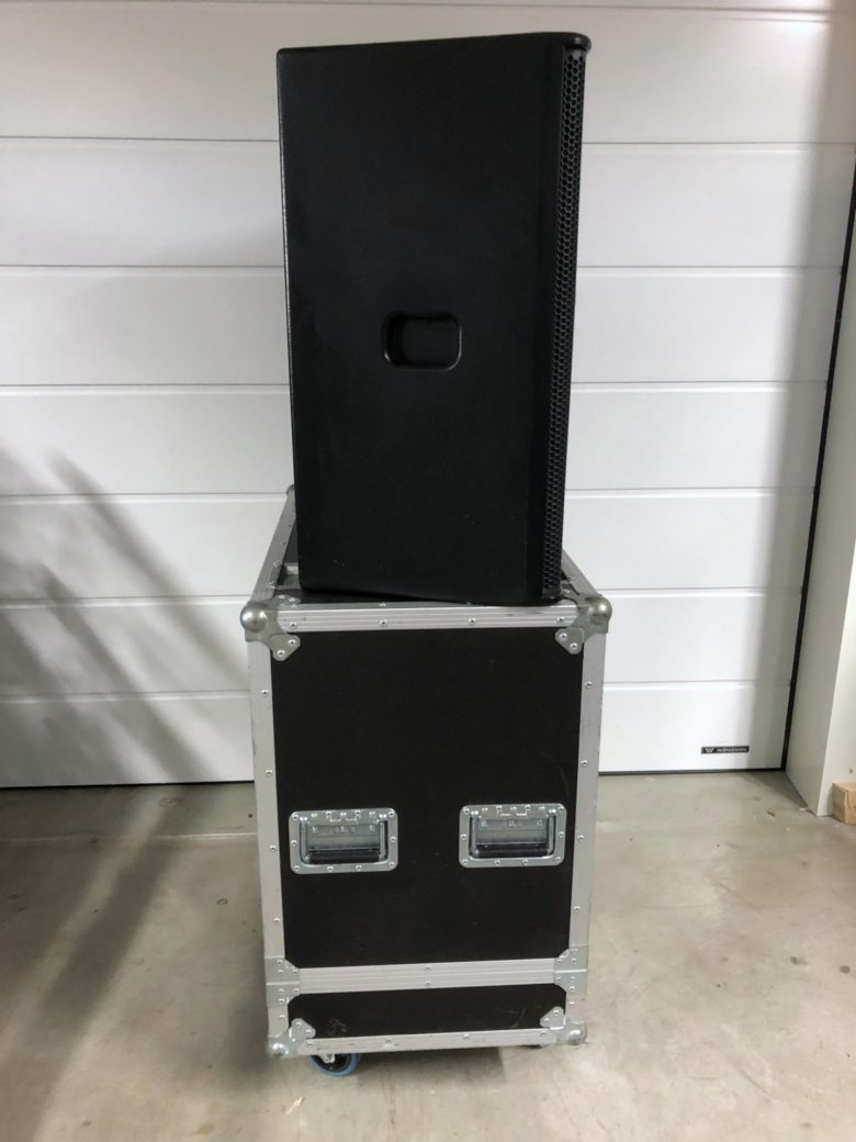 Pair of PS15-R2 with flight case