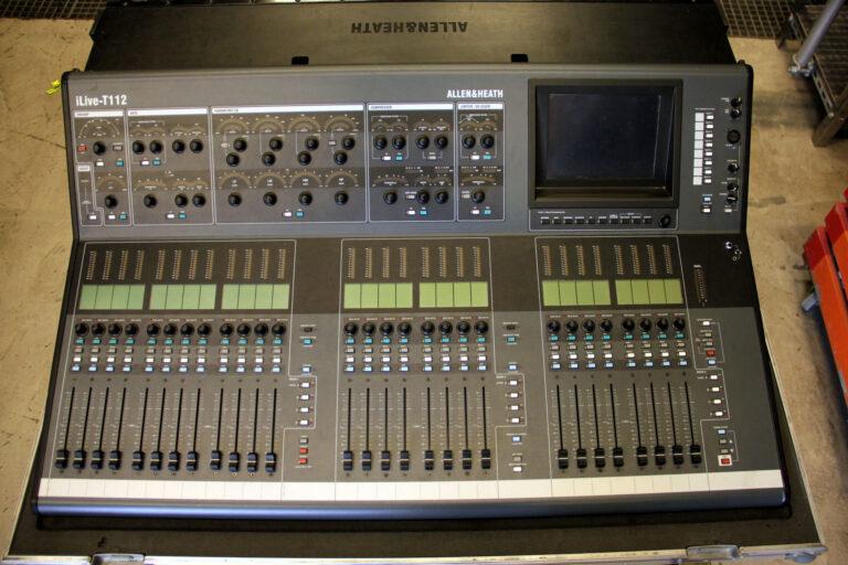 Allen&Heath iLive T112 with iDR64