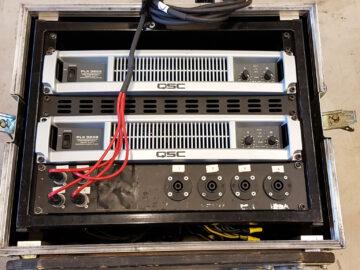 QSC PLX3602 in rack case