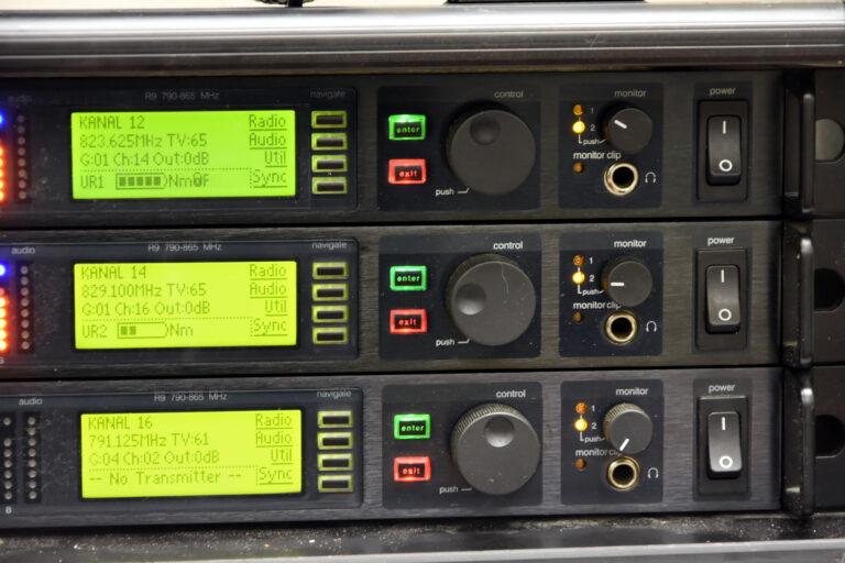 Shure UHF-R R9 3x U4D