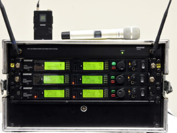 Shure UHF-R system with UA844