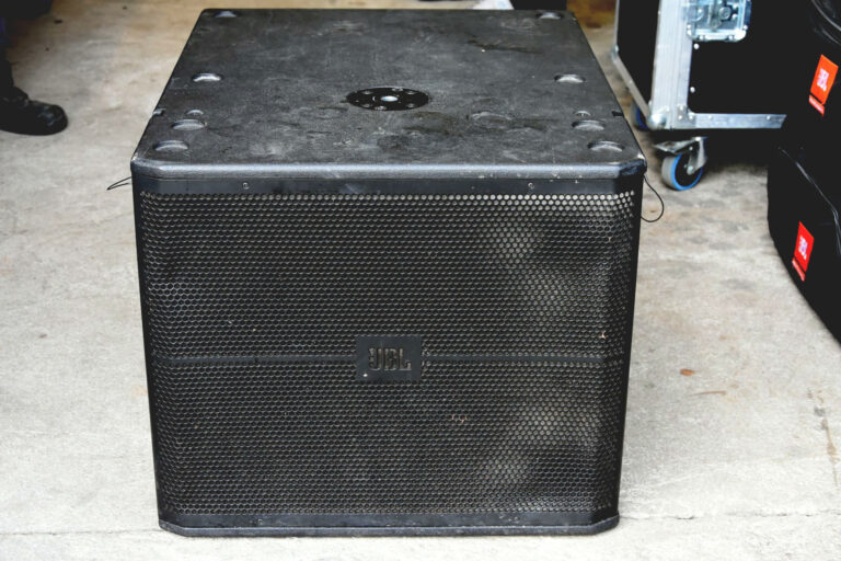 Used JBL VRX918S on Gearwise
